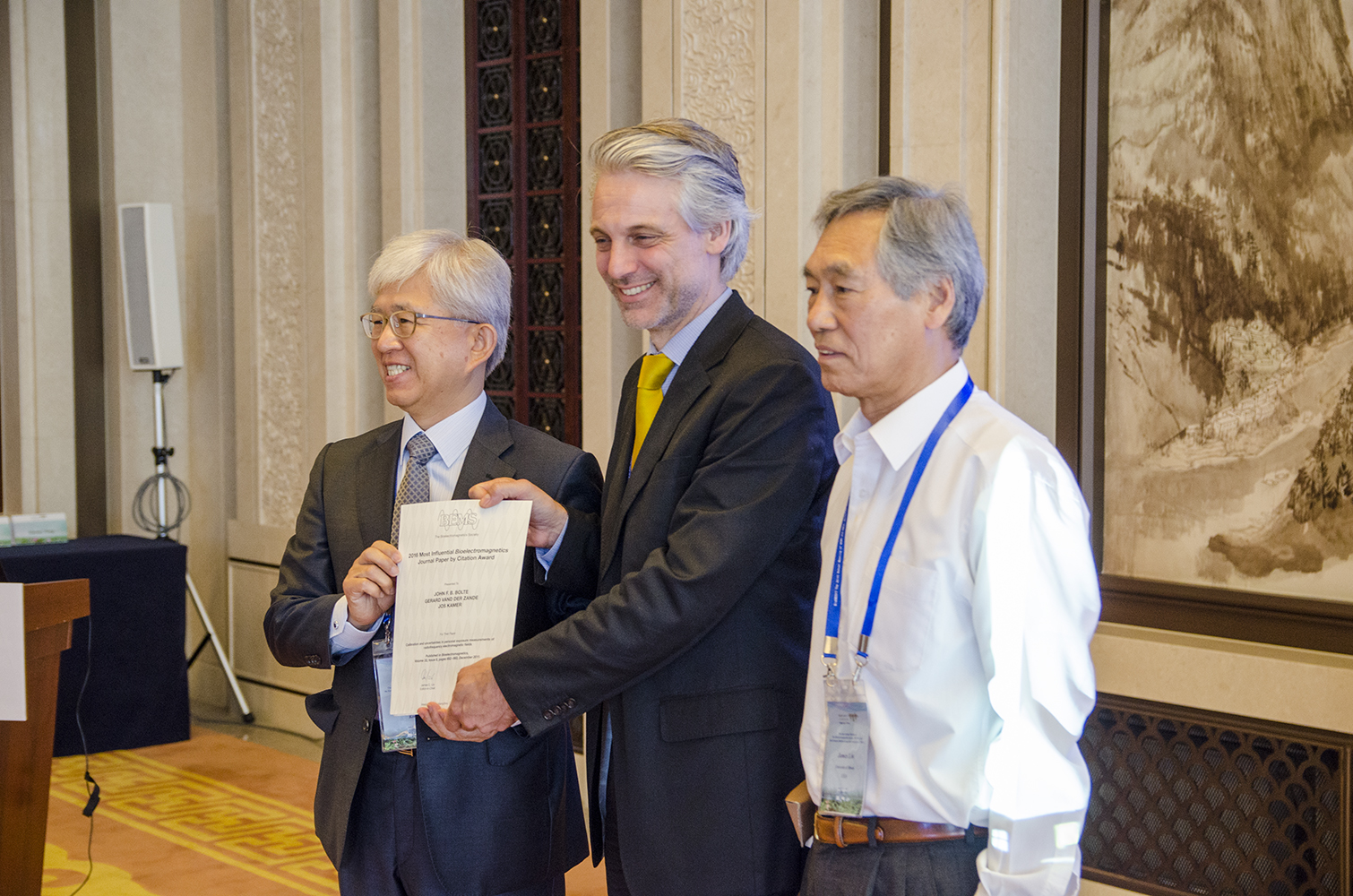 "John Bolte receiving the ""Most Influential Bioelectromagnetics Journal Paper by Citation"" award for 2011 – 2015"